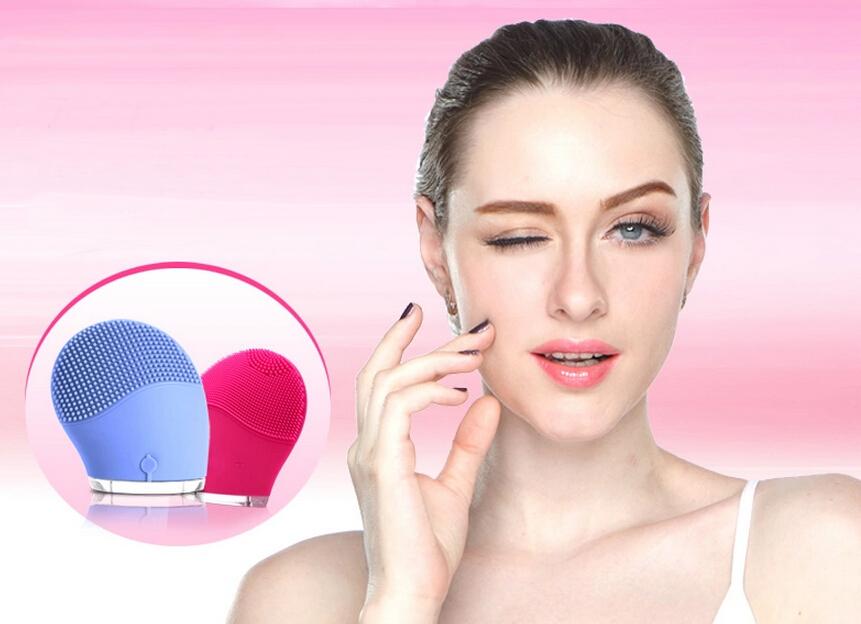 Sonic facial brush